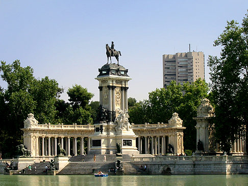 Monumento a Alfonso XII - Landesinnere (Madrid)